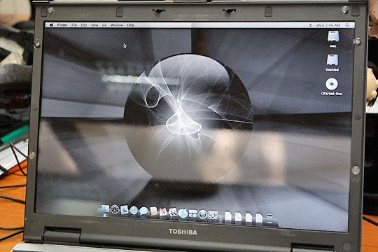 PC машина с OS X на нея.